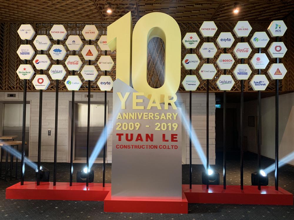 Thi công sự kiện kỷ niệm 10 công ty Tuấn Lê